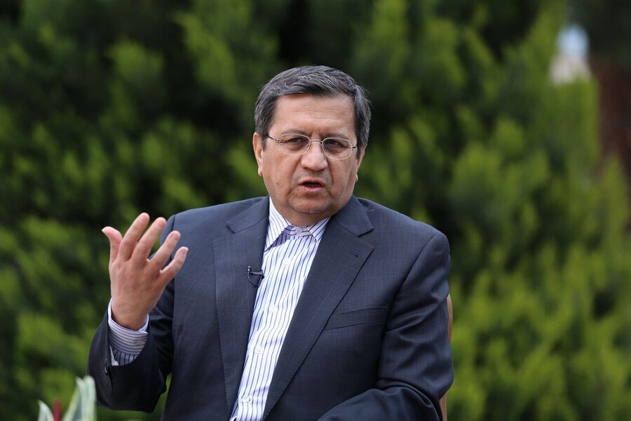 رئیس کل بانک مرکزی: صادرات با پول ملی خنده دار است