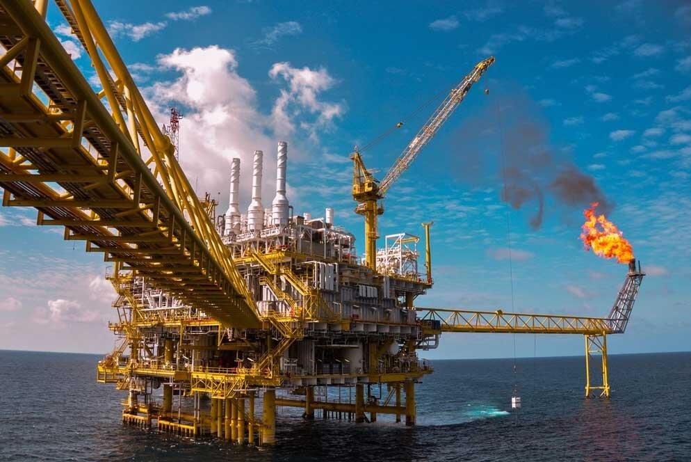 افزایش ذخایر آمریکا سبب سقوط قیمت نفت شد