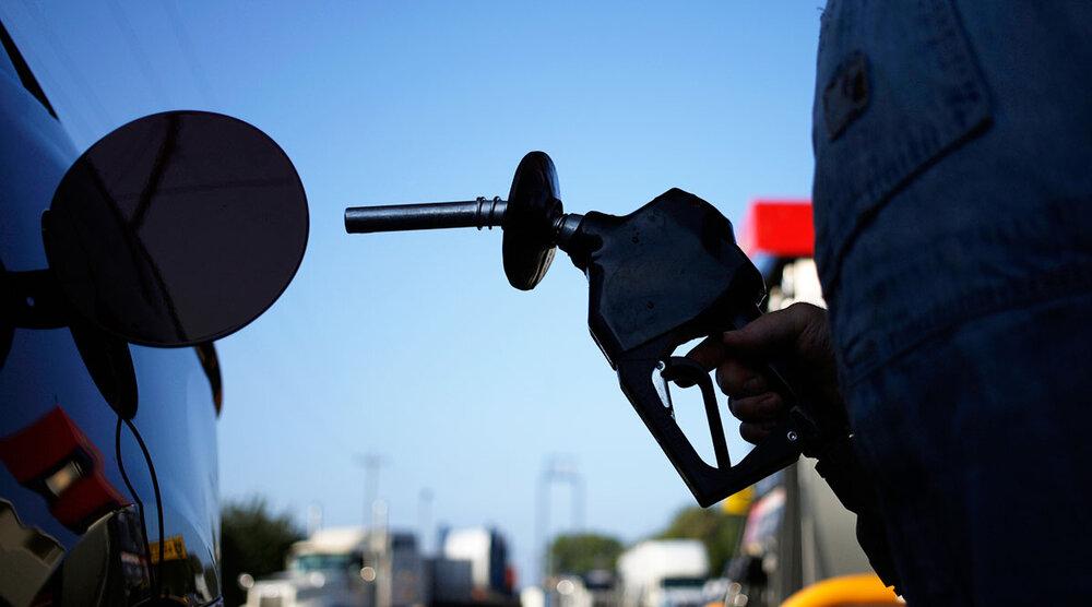 افزایش قیمت بنزین واقعیت  ندارد