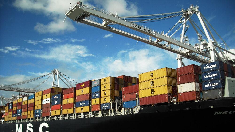 واردات ۱.۳ میلیون تنی کالای اساسی در  فروردین ماه امسال