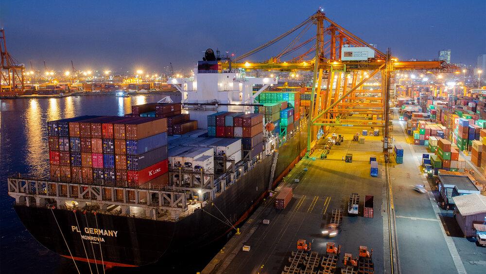 بیش از ۵۰ درصد صادرات روسیه وابسته به دلار نیست