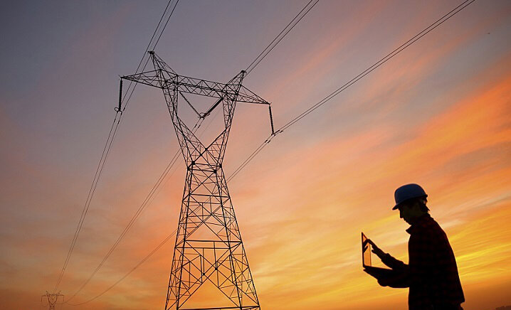 برق ارزان اما غرق در بحران