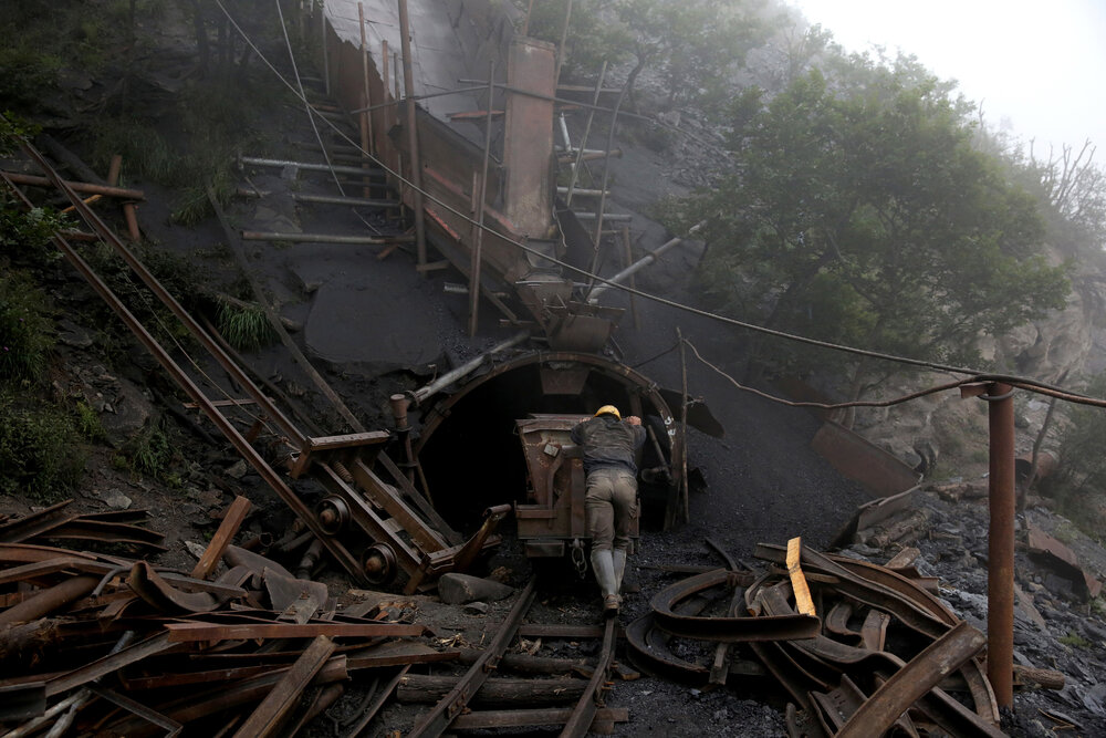 رشد ۱۰۵ درصدی فروش شرکت های معدنی در بورس