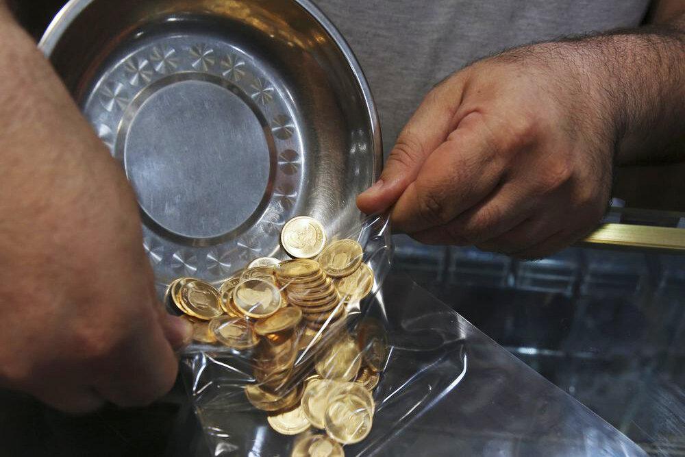 سکه در کانال ۱۲ میلیون تومان