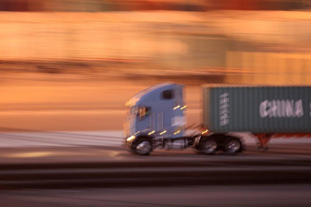 سازمان راهداری به گمرک نامه نوشت / کامیون های سه ساله ترخیص شود