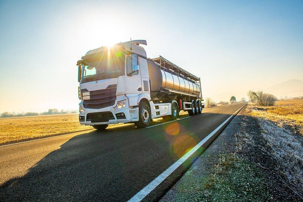 سازمان راهداری مشکل کمبود کامیون برای حمل کالا ندارد