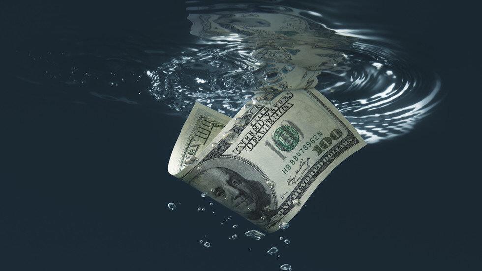 دلار واردات بی خریدار ماند؛ تامل واردکنندگان