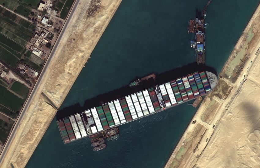 مسیر جایگزین کشتیرانی به کانال سوئز اضافه میشود