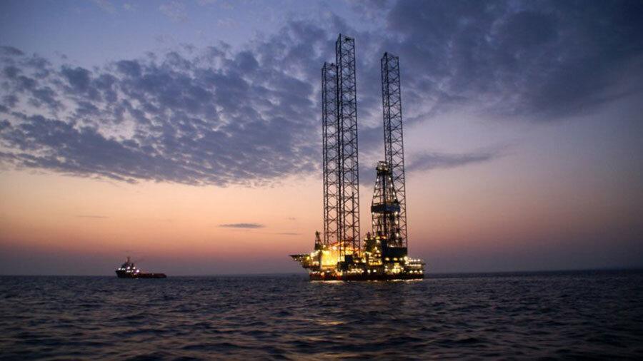اقتصاد ایران نفتی تر شد