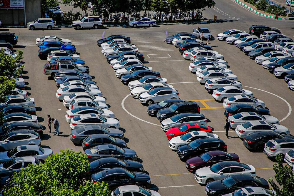 ثبات نسبی قیمت بر بازار خودرو حاکم است
