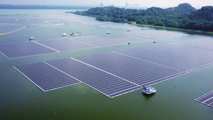 رونمایی بزرگترین مزرعه خورشیدی شناور جهان در سنگاپور